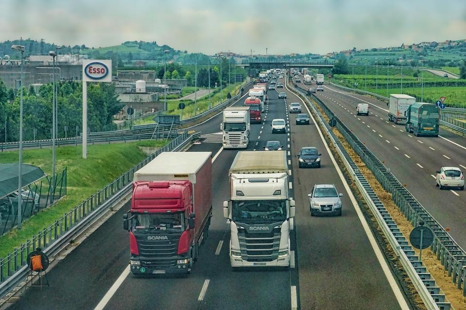 přeprava po dálnici