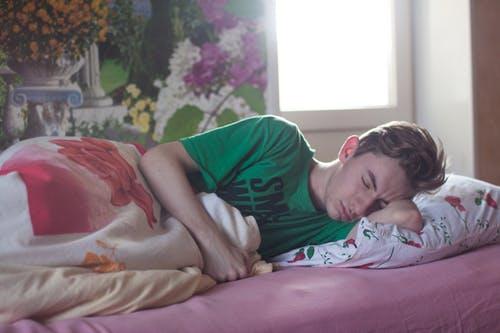 teenager spí